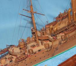 Готовая модель крейсера Аврора 21.