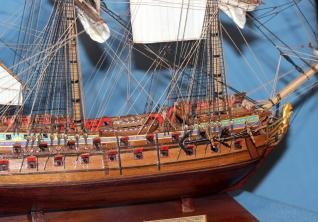 Модель из дерева корабля Ингерманланд. параметры