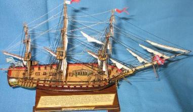 Модель корабля фрегат Паллада. Шлюпки.