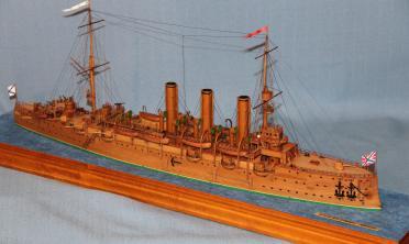 Авторская модель крейсера Аврора.