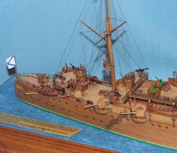 Готовая модель крейсера Аврора 14.