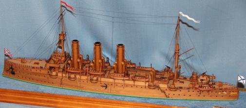 Готовая модель крейсера Аврора 40.