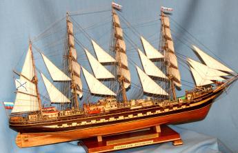 Готовая модель ручной работы барка Крузенштерн.