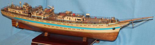 Модель судна  `Мир`. Корпус.
